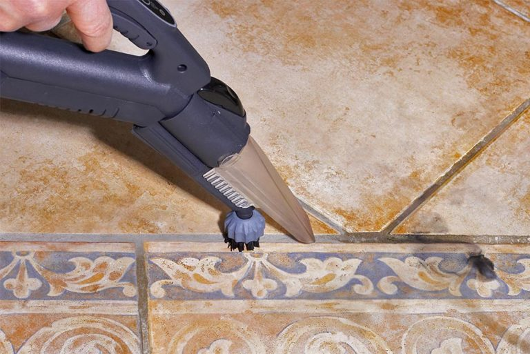Remove product residues in difficult places without any marks