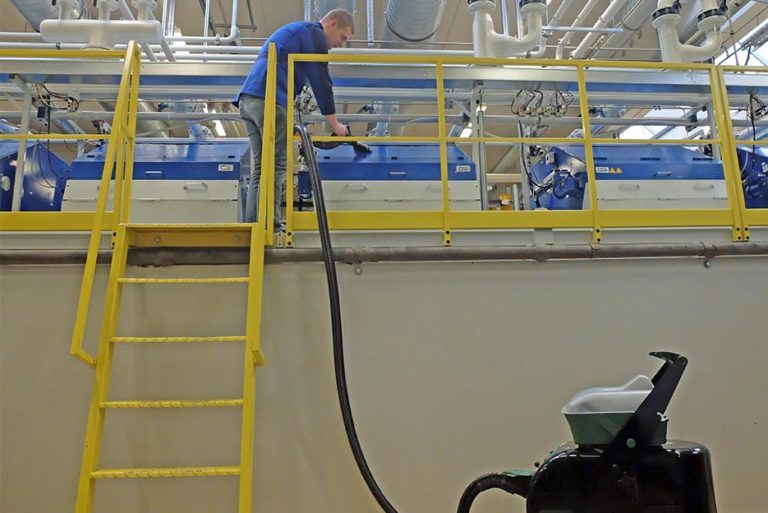 Benefit from BlueEvolution's cleaning performance, especially in production areas